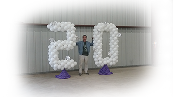 20 Giant Balloon Art Blur